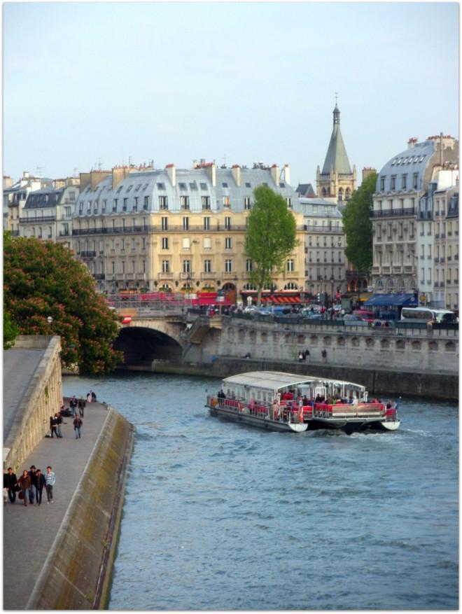 Le quai des Grands-Augustins depuis le Pont-Neuf