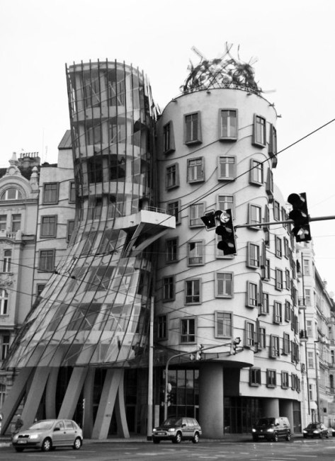 G - Frank GEHRY fred-&-ginger