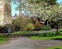 Start in the castle gardens