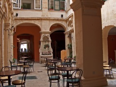 Courtyard-at-Manoel-Teatro