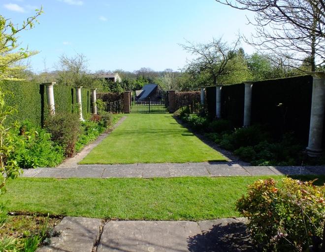 The-Pillar-Garden