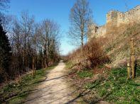 Walk around the castle walls