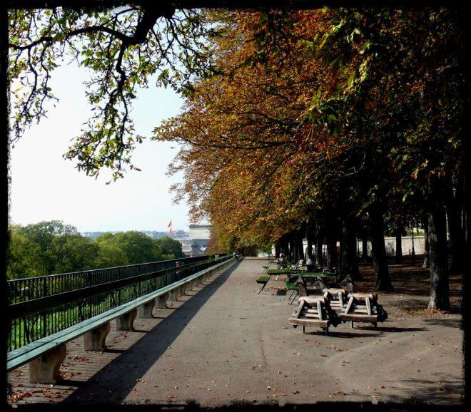 longest bench The Treille Promenade
