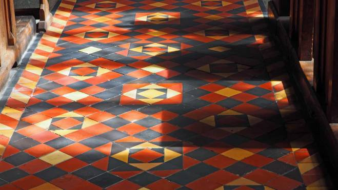 Sunlight and shadows in Lady Chapel