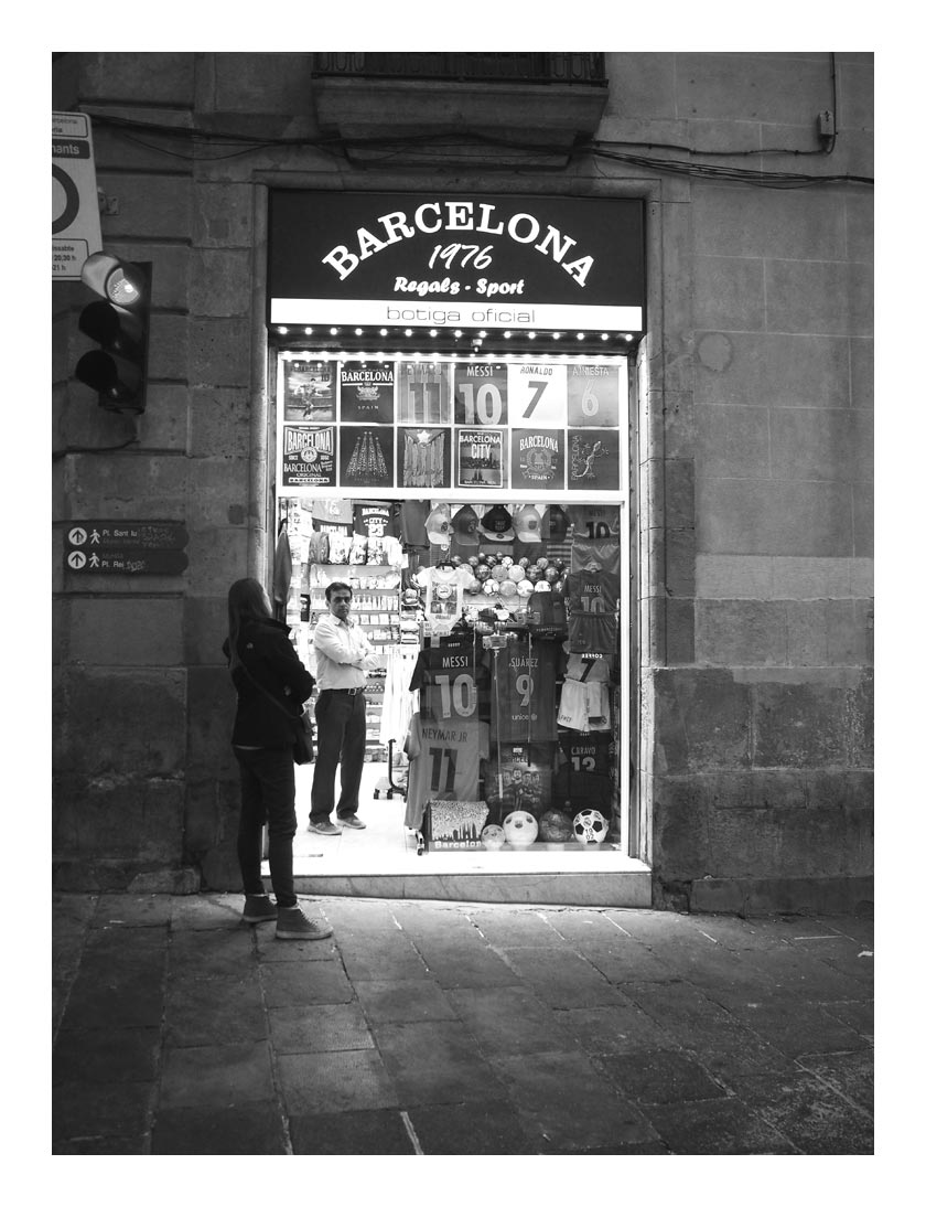 Black and white sunday couples travel words - The body shop barcelona ...
