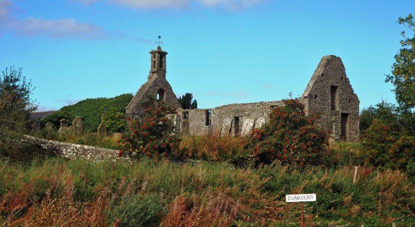 Eassie Old Church:Gravestones