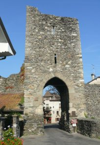 The Gate of Geneva (or Gate of Nernier) built in the ramparts of the medieval village of Yvoire.
